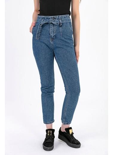 Tiffany&Tomato Beli Kuşaklı Yüksek Bel Mom Jean Pantolon - Açık Mavi Mavi